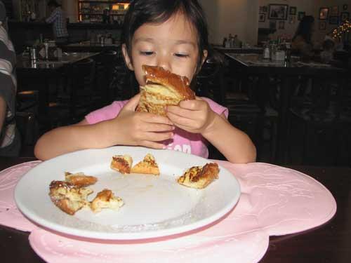 eatfrenchtoastblog15.jpg