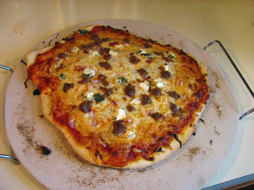 roundpizza500.jpg