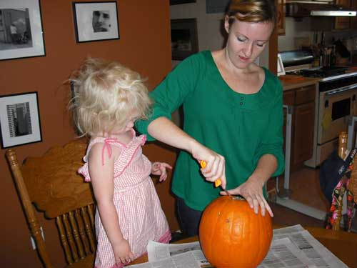 carvingpumpkin1500.jpg