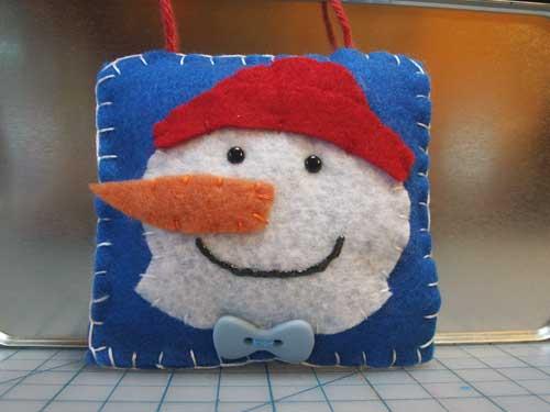 snowmanorn500.jpg