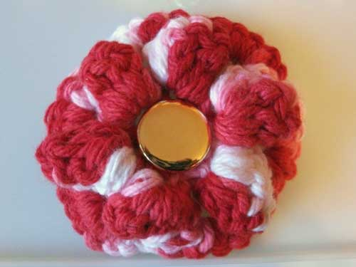 crochetflowerpin.jpg