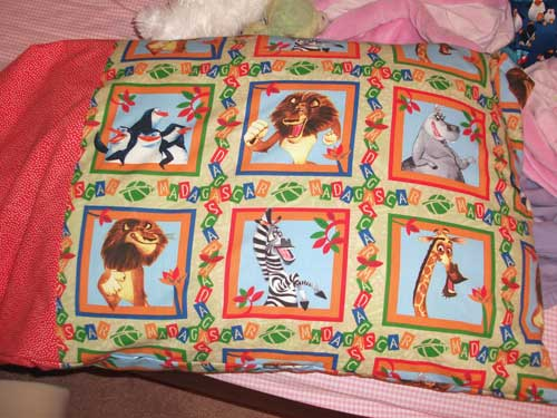 madagascarpillowcasetad28.jpg