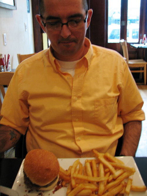 yvesburger.jpg