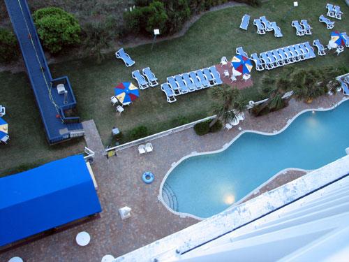 hotelpoolsright.jpg