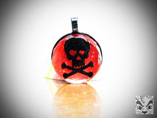 SkullVinylPendant